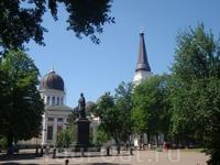 Соборная площадь: Спасо- Преображенский собор, памятник Воронцову.