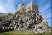 Что бы ни говорили,  крепость выглядит поистине неприступной и величественной. Высокие серые стены в несколько рядов опоясывают ее.