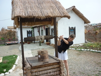 Приобщение к кубанскому казачьему быту. В каждом из нас живет путешественник во времени. Одни плетут средневековые кольчуги и учатся обращаться с двуручным ...