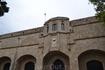 Старый госпиталь рыцарей- ионитов, сейчас Археологический музей, там хранится голова Колосса Родосского