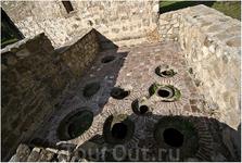 старое марани – даже квеври неплохо сохранилось. Говорят, что это – 11-13 века