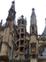 Крыша собора внешне очень напоминает собор святого Вита.
