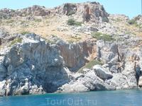 Южный берег Крита настолько красив,дикая природа,камни,скалы,немного цивилизации и море.