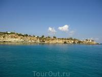 экскурсия на яхте, сказали что остров огромных черепах, но черепах мы так и не увидели