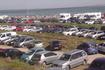 В субботу испанцы очень любят отдохнуть. Все стоянки у побережья забиты машинами.