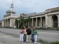 Сухумский железнодорожный вокзал (в настоящее время не работает)