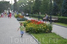 Прогулки по городу. Парк Комсомольцев - добровольцев.