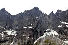Горный массив Трольвеген Стена троллей Trollveggen