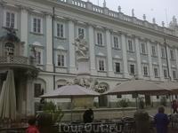 Новая резиденция епископа, замок  князей-епископов.