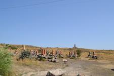 В 2005 году армянский алфавит отметил свой 1600-летний юбилей. В честь такого значимого события армянский архитектор J. Torosyan создал уникальный памятник ...