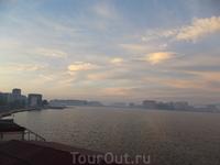 Рассвет над озером. Вид с нашего балкона. Махачкала.