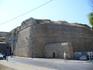 Система стен Акко строилась в три этапа между 1750—1840 годами. Стена окружала весь Акко с суши и со стороны моря.Первая стена была построена в 1750—1751 ...