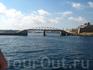 временный мост к маяку ( старый разбомбили во вторую мировую войну)