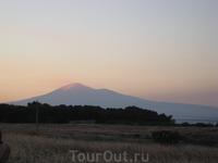 вулкан Этна на закате