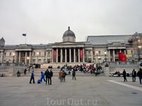 Национальная галерея - вид с противоположной стороны площади.