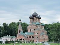 И еще одно фото церкви. Очень красивая