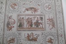 Ещё один фрагмент мозаики напольного покрытия...