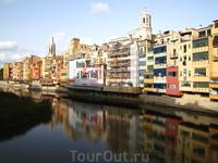 """Жирона (Girona - на каталанском, Gerona - на испанском), крупнейший город Северной Каталонии, прославилась как """"город тысячи осад"""" - она стоит на важнейшем ..."""