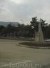 памятник женщине- горянке. Расположен где то рядом с мечетью