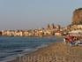 Пляж и набережная Чефалу