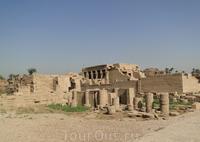 Храм Дендеры