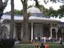 """""""Ворота счастья"""" во втором дворе дворца, которые ведут в 3-й и 4-й дворы Топкапи. Второй двор в султанские времена служил парадным двором для проведения ..."""
