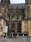 Следующим архитектором собора стал Петер Парлерж  сын швабского архитектора. Петеру на тот момент было 23 года. Вначале он работал строго по проекту, составленному ...
