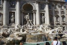 """Рим.  """" И целой  жизни  не  хватит,чтобы  познать этот Вечный  город с его дворцами, церквями, площадями и фонтанами,вода в которые  до  сих  пор доставляется ..."""
