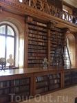 Про изумительную и богатую библиотеку Фештетичей не написал только ленивый, поэтому не буду повторяться. Напишу исключительно цифру: более 100 000 томов!!! Безусловно, библиотека собиралась не одним п