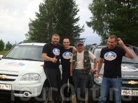 С этими замечательными ребятами из проекта «Дикая Россия»  я познакомился в Гимолах.