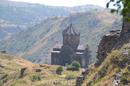 Владетельные князья иногда строили свои крепости высоко в горах, куда неприятелю было труднее добраться. Кроме того, они прекрасно понимали, как важно ...