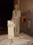 Памятник в центе Агиос-Николаос
