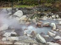 долина  поствулканических явлений – Фурнаш. Здесь можно попробовать жаркое из мяса, приготовленное в котле, который нагревается внутренним теплом земли ...