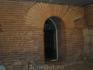 Остатки стен древнейшего прародителя современной Софии - крепости Сердика, в буквальном смысле заложены в основании города: их фрагменты можно увидеть ...