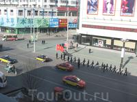 Хунь Чунь. утренняя речевка  Хуньчунь ( буквально «Яшмовая весна»);  по- манжурски Конец реки,ранее Хунчун) — город в китайской провинции Цзилинь, расположенный ...