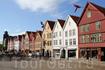 Старинная ганзейская набережная Брюгген Около четверти зданий Брюггена построено до 1702 года, а некоторые каменные подвалы датируются 15-ым веком.
