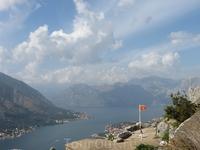 Рядом с облаками. 260 м над уровнем моря и  внизу 1,5 км крепостной стены.