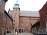 Сейчас, кроме музеев,на территории крепости также расположены здания Министерства обороны Норвегии.
