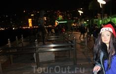 Самая известная статуя на Avenue of Stars посвящена Брюсу Ли :)