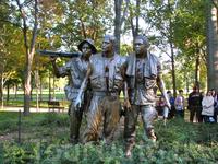 Мемориал ветеранов Вьетнама. Скульптура «Три солдата».