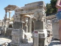 Останки (раскопанные) древнего города Эфес