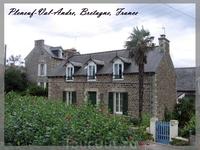 Бретонские домики строятся из камня или кирпича, а потом облицовываются камнем.