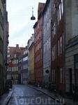Дружный ряд европейских домов.
