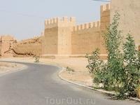 Стены Старого города в Таруданте