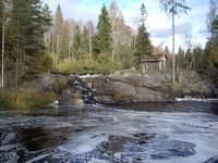 водопад рядом с карьером