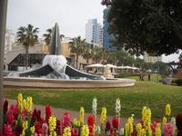 фонтан на центральной площади в Нетании