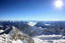 Вид с Zugspitze, 2962m в сторону Австрии