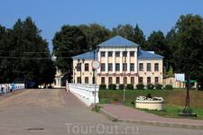 Соборный мост через ручей Шелковка.