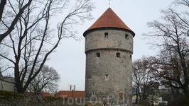 По плану было посещение в башню Кик ин де Кёк Несомненно будет интересна для посещения всем тем, кто интересуется военной и оборонительной историей средневекового ...