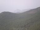 В дымке виднеется гора Кошка